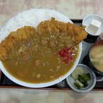 <民宿>しをみ食堂 - カツカレー(800円)