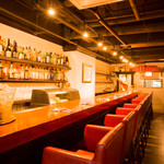 Wine Bar Bonne Place - お一人でも気軽に立ち寄れるカウンター席