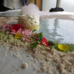 嵐山MITATE - 玉蜀黍のカステラと筍のエスプーマ