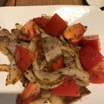 広島お好み焼き・鉄板焼き 倉はし - トマトと豚肉の炒めたやつ