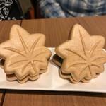 広島お好み焼き・鉄板焼き 倉はし - 最中アイス