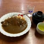 いち一 - 料理写真:カツカレー(700円)