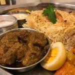 インド家庭料理 ミレンガ - ノンベジタリアン・ターリー(マトン) ★ライスをビリヤニに変更