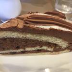 伯爵 - チョコナッツケーキ