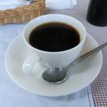 ぐらたん屋 FLAT - Aランチ(エビマカロニグラタン・サラダ・コーヒー)