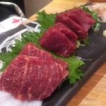 加藤商店 バル肉寿司 since2010 by 炉とマタギ - 馬刺し4種盛り…奥から大トロ、ランプ、ヒレ、サクラ…2切れずつ