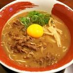 tokushimara-memmenou - 徳島ラーメン(肉入り)+生卵