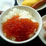 ラビスタ釧路川 - 朝は海鮮丼。