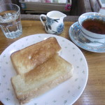 喫茶がんび - ハニートーストと紅茶