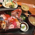 魚家 - 海鮮重スペシャル