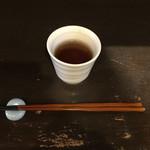 66311966 - 焙じ茶と細くて軽いお箸