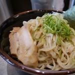 豚骨らーめん福徳 - 「濃厚味噌つけ麺」 麺