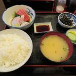 三岩食堂 - 料理写真:刺身定食