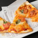 ■モッツァレラチーズのトマトのピッツァ