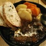 田丸屋 - 牛ほほ肉のワイン煮