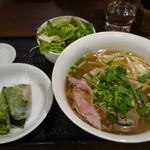 ハノイのホイさん - (2017/3月)ホリデーランチ「フォー・ボー(牛骨のスープ)の牛肉(ミディアムレア)」