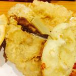 66328202 - カチョカバロ・鶏もも・半熟卵+キムさんの手作りギョウザ