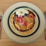 gram - ミックスフルーツとチョコレートのパンケーキ…税込1050円