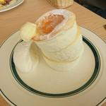 gram - プレミアムパンケーキ…税込950円(バターが落ちる直前)