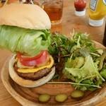 サンボンギ ダイナー - ハンバーガー+ランチセットのサラダ