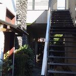6633024 - 入り口を入ると階段を登って