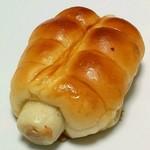 どんぐり - ちくわパン(151円)