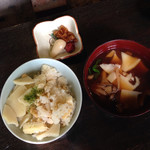 竹仙郷 - 赤出汁&筍ご飯&お漬物