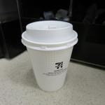 セブンイレブン - ドリンク写真:コーヒーR100円(内税)。