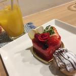 ボヌール - ロゼ…¥400 オレンジジュース…¥300