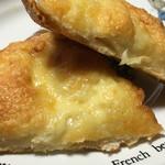 66336336 - チーズブレッドの断面