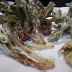 三喜屋 - 山菜の天ぷら