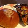 ココロノ ベーカリー - 料理写真:あんぱん+きんかんといちじくのタルト