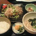 6634663 - ランチ 手ごねメンチカツ膳+ミニうどん 850円+100円