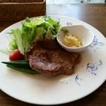 カフェ プース - 豚肩ロースのステーキ