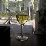 カフェ プース - グラスワインの白