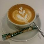スノービーンズコーヒー - カプチーノ:648円