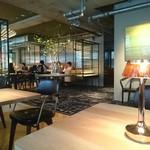 BROWN CAFE/BAR -