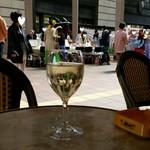 オー バカナル - グラスワイン(500円)の白を飲みながら