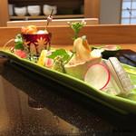 日本料理 旬菜和田 - 向付 細魚、つぶ貝、天然真鯛