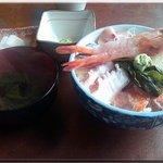 Taikoushouten - ちょこっと海幸丼(1480円)