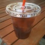 ウォームハートコーヒー - ドリンク写真:エアロプレス抽出のアイスコーヒー
