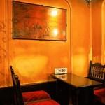 フランソア喫茶室 - 店内(テーブル席)