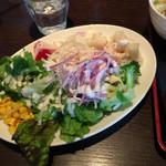 豊洲ダイニング梟 - サラダ