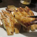 博多荘 - 博多一口餃子。