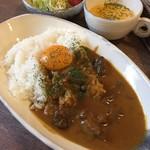カフェ ポルト - 料理写真:近江牛カレー