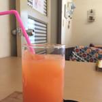 CAFE うさもも - ランチのセットドリンク(グレープフルーツジュース)