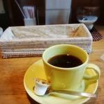 豊文堂書店 喫茶部 ラルゴ - 食後のコーヒーはラルゴブレンド♪