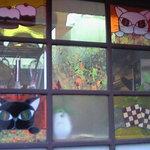 フルミィ - ネコのステンドグラス。