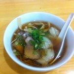 中華食堂 一楽 - ワンタン麺ミニ!!!