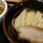 麺屋 睡蓮 - カレーつけ麺。結構辛いウマい。